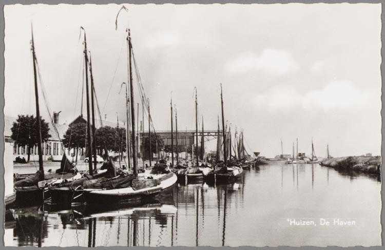 Haven Van Huizen : De havenmeester van huizen mijn zuiderzee
